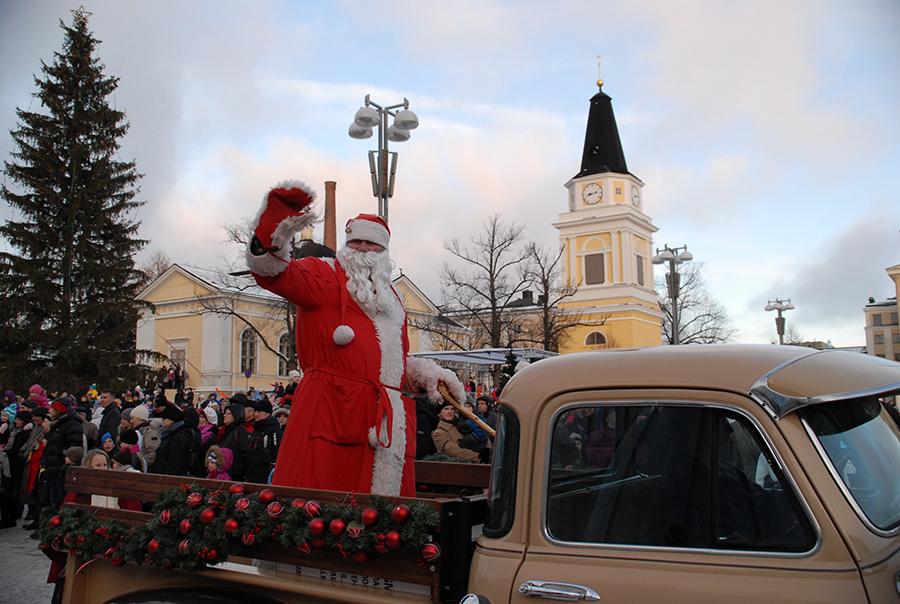 タンペレのクリスマスパレード